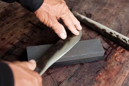 Anleitung zum Schärfen eines japanischen Kochmessers